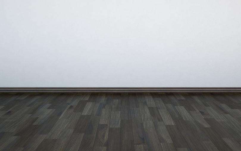 Szara drewniana podłoga