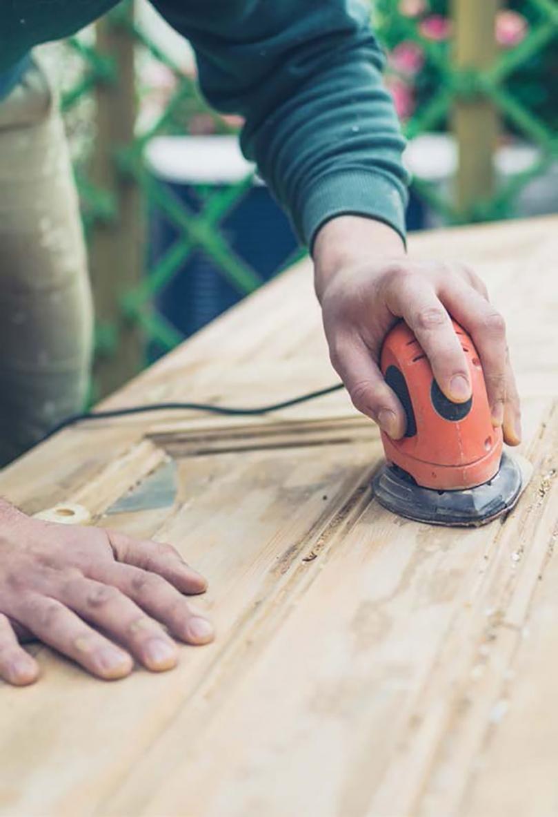Szlifowanie drewna przed malowaniem