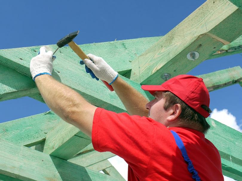 Tworzenie drewnianego szkieletu na dach