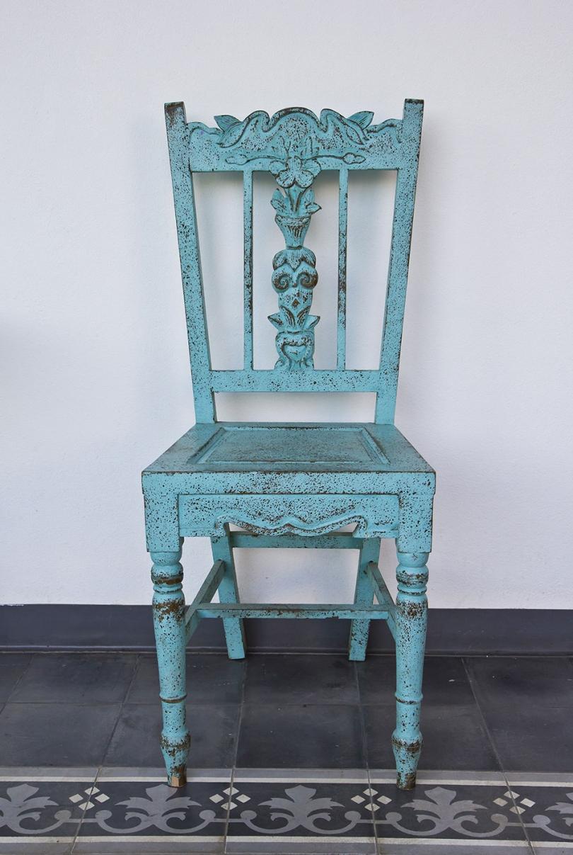 Postarzone krzesło