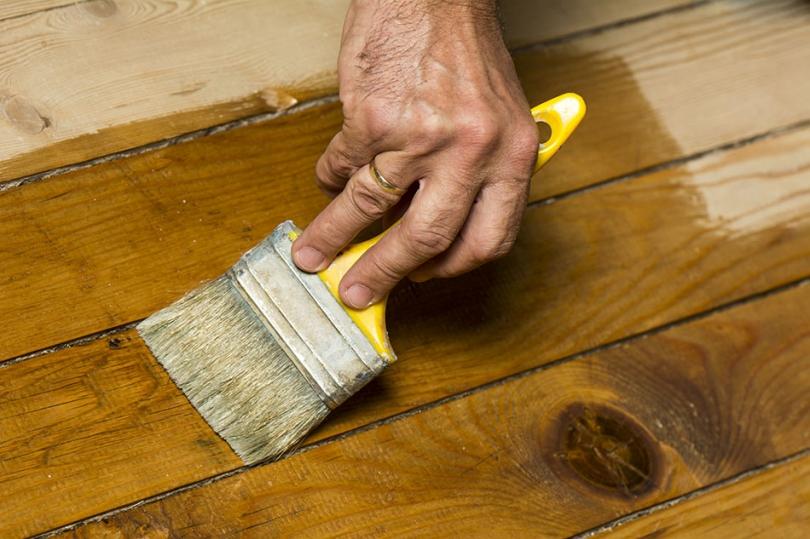 Szybka impregnacja drewna za pomocą oleju