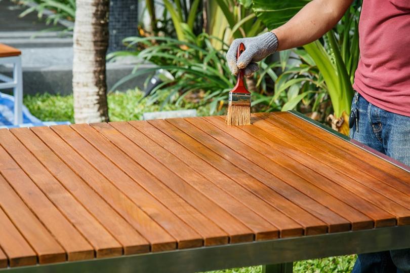 Olejowanie drewnianych desek