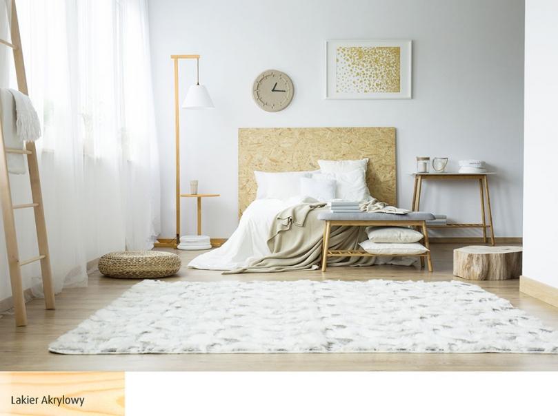 Drewniana lampa wsypialni