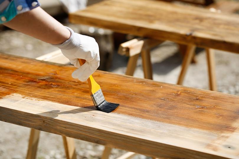 Zabezpieczanie drewna na pergole