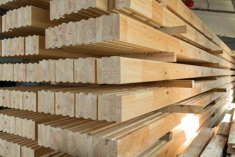 Drewno surowe wskładzie