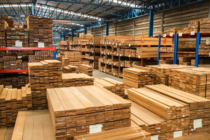 Drewno wmagazynie