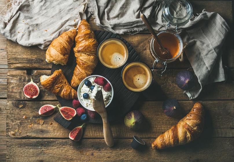 Przygotowane śniadanie do łóżka