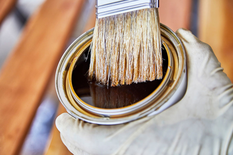 Puszka zproduktem zabezpieczającym drewno