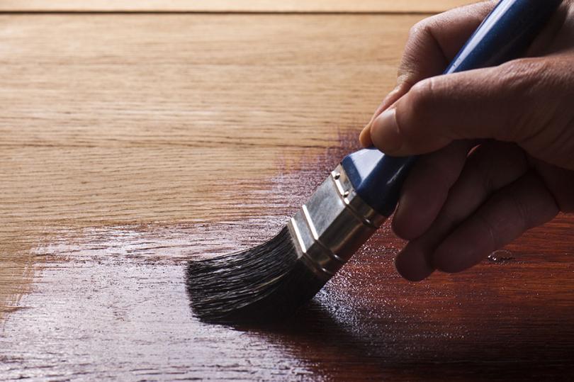 Olejowanie drewnianej powierzchni