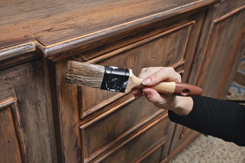 Impregnowanie drewnianego mebla