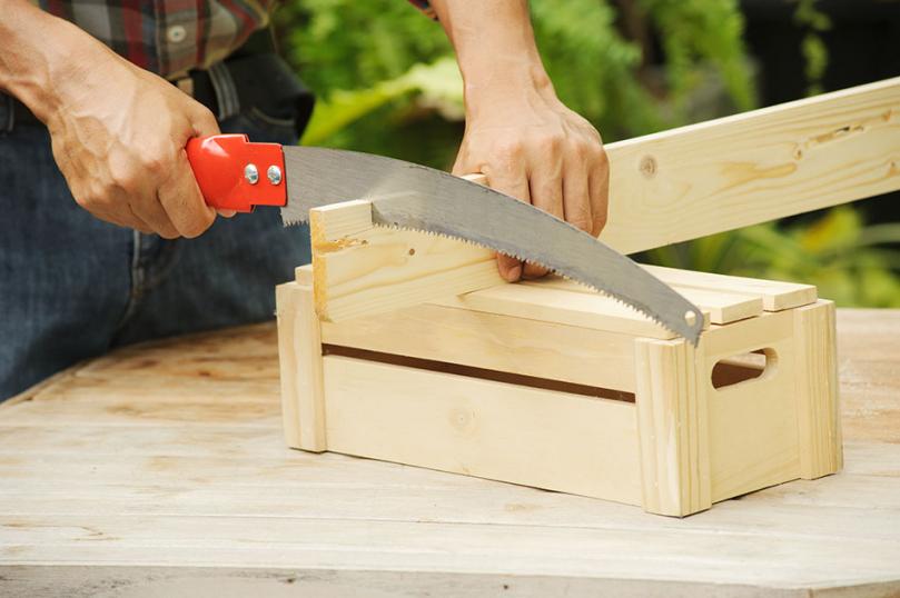 Drewniana skrzynka DIY