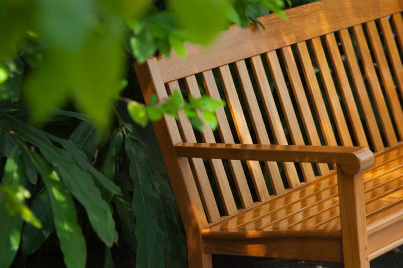 Zaimpregnowana ławka ogrodowa