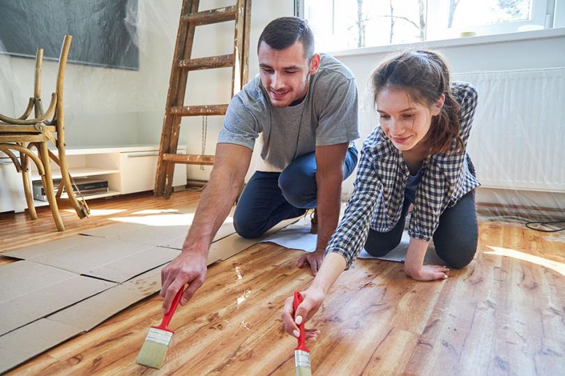 Ręcznie wykonywana zmiana koloru podłogi
