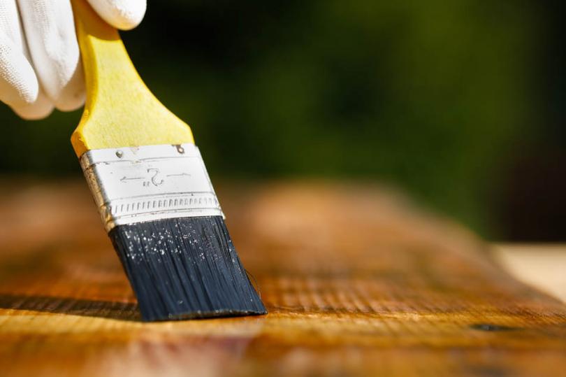 Zabezpieczanie drewna piaskownicy