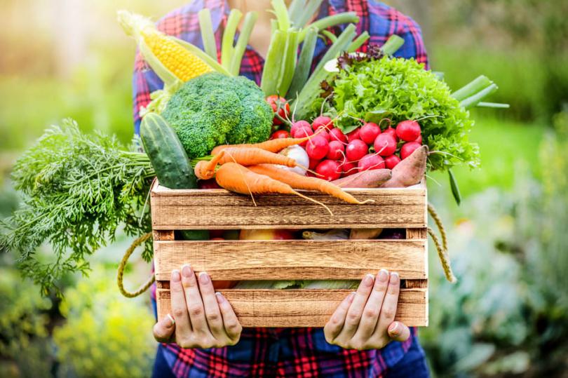 Warzywa wdrewnianej skrzynce