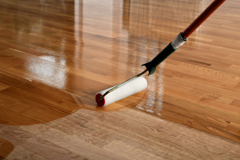 Lakierowanie drewnianej powierzchni